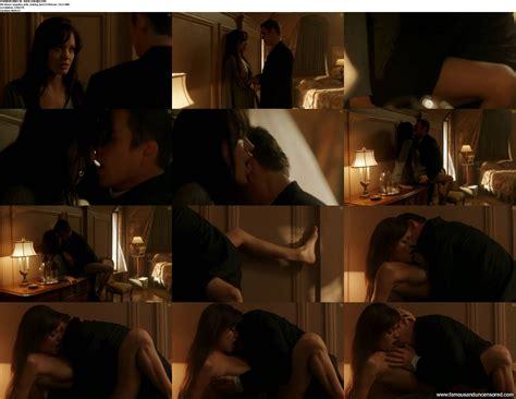 Angelina jolie topless in sex scene from taking lives jpg 2400x1856