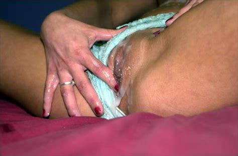 Wearing cum panties jpg 500x328